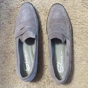 New With Tags Gray Color Women's Flats/Loafers